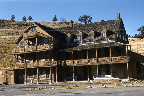 cottage hotel mammoth 1885 YDSF